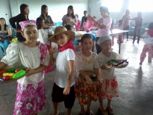 founday2youngkidsfolkdnce